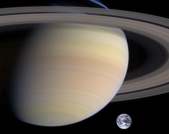 Сравнение Сатурна с Землей